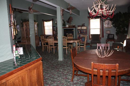 Deer Head Inn: Deer Head Lodge breakfast room