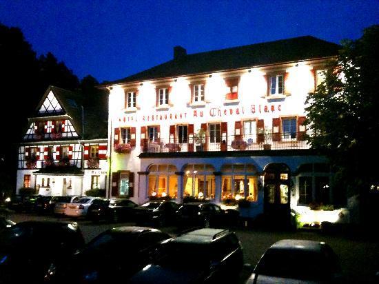 Hotel Restaurant Cheval Blanc: Au Cheval Blanc, Niedersteinbach