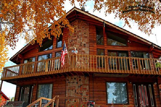 Kenai River Hideaway Bed & Breakfast: View from the Kenai River