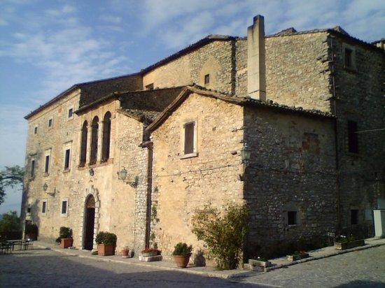 Fattoria di Titignano: Il Castello che ospita la sala da pranzo