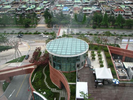 Pullman Ambassador Changwon: vue de l'hotel le centre commercial
