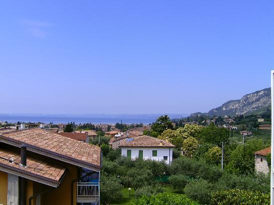 Residence Villa Rosa: Balcony with a view