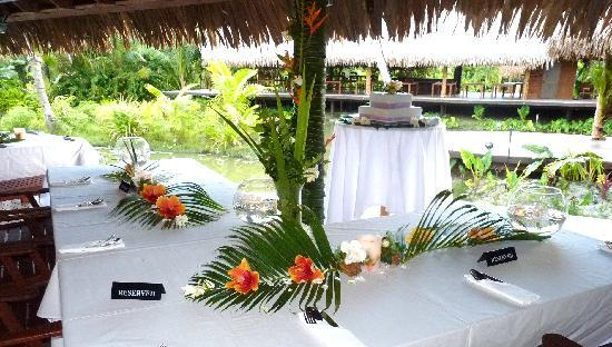Muri, Islas Cook: The Reception