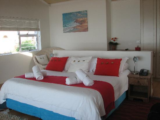 African Perfection Jeffreys Bay: The bed