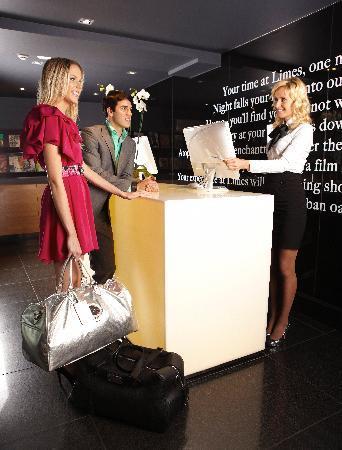 Limes Hotel Brisbane: Limes Reception