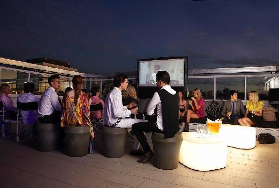 Limes Hotel Brisbane: Roof Top Cinema