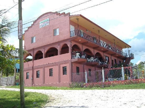 ‪رولسون هوتل: This is the place to stay, when in western Belize.‬