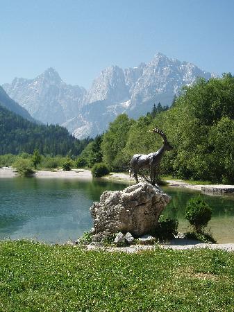 Hotel & Restaurant Miklic: Lake Above Kranjska Gora