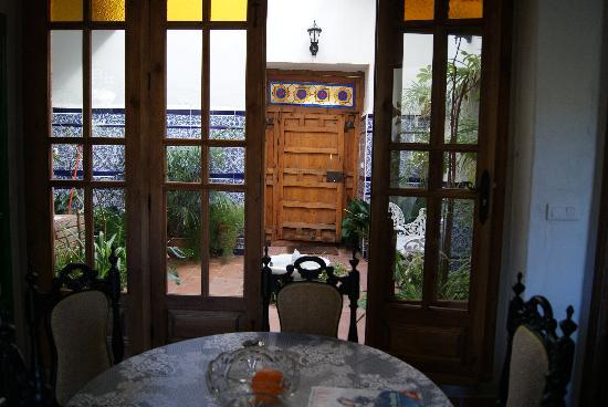 Torrox, Spain: Inner courtyard from dining room