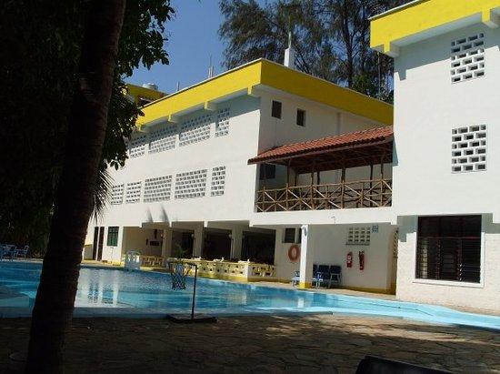 Kahama Hotel: .