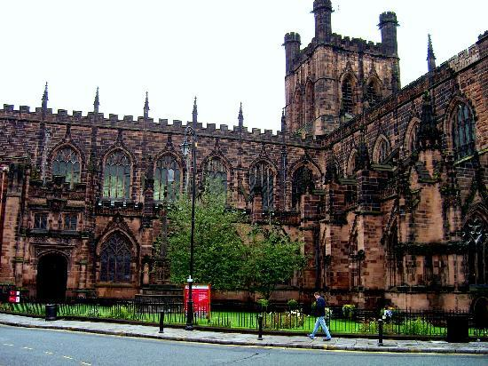 Chester, UK: Otra cara de la Catedral