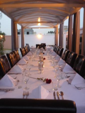 The Jumeirah Garden Guesthouse: Table set for dinner