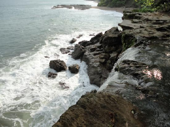 Tango Mar Beachfront Boutique Hotel & Villas: water fall