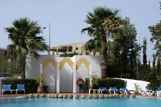 Ibis Tanger Free Zone hotel : piscina del hotel