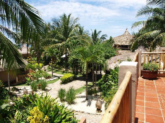 Mia Resort Mui Ne: View from balcony onto gardens