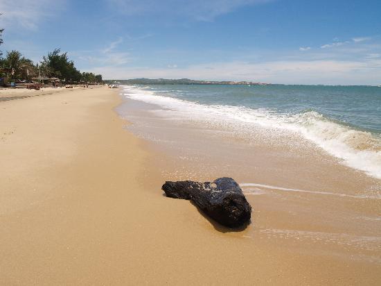 Mia Resort Mui Ne: Beach