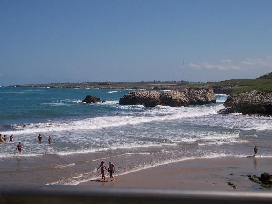 Ermita de la Virgen del Mar: Playa junto a la ermita