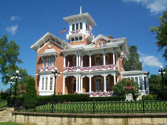 Galena, IL : mansion to stay away from