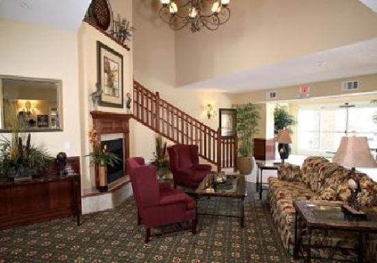 GrandStay Residential Suites Hotel Oxnard: Lobby
