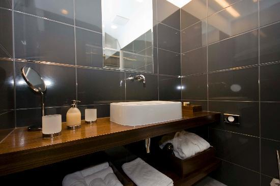 Hotel Marmont: Bathroom