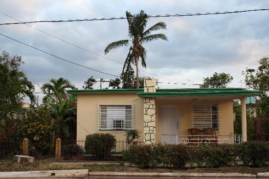 Ingresso della casa stile americano anni '50, dentro c'è un ...