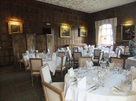 The Munster Room Restaurant: Dining room