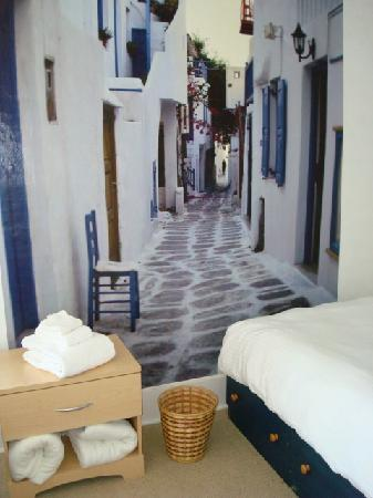 Poppi's Private Room Hostel: The Greek room