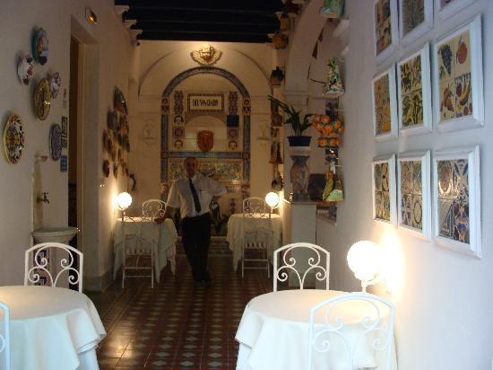 Hotel Medium Romantic: Uno de los salones del hotel