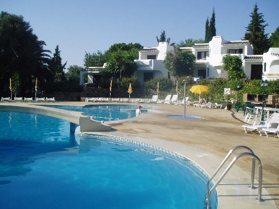 Clube Albufeira Resort: One of four pools
