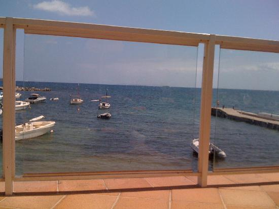Sirenis Hotel Tres Carabelas & Spa: The view from my sunlounger beside the pool