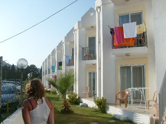 Viras Hotel - Restaurant: hotel rooms