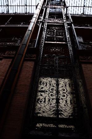 Bradbury Building: der schmiedeeiserne Lift