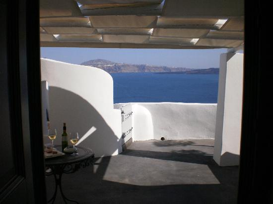 Andronis Luxury Suites: Our private balcony...awesome!