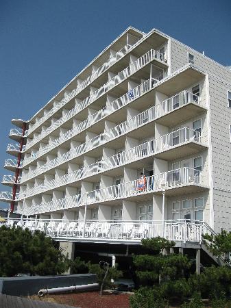 كوماندر هوتل: Hotel from outside