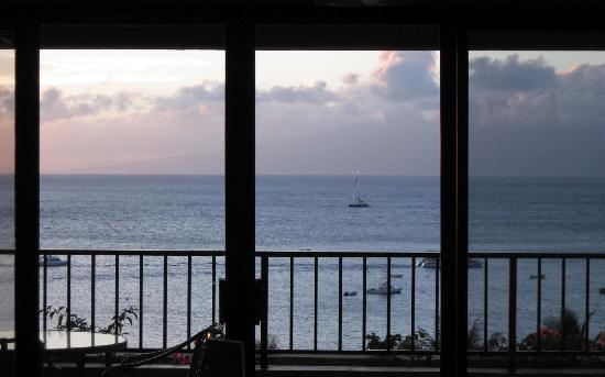 Kaanapali Alii: Million dollar view at sunset from our living room