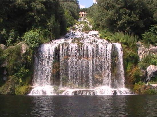 Pontecagnano Faiano, Italia: la cascata della reggia di caserta