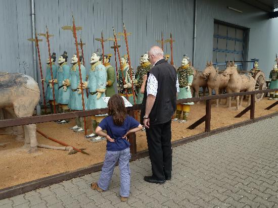 Weilburg, Germany: Die bunten Terrakotta-Soldaten vor dem Ausstellungsgebäude