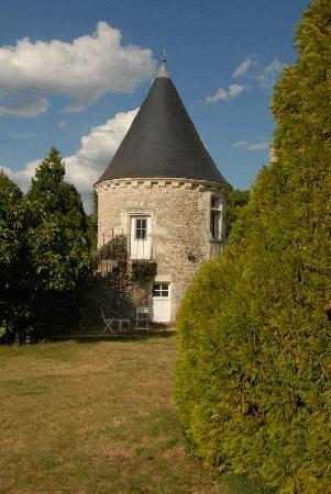 """Le Vieux Chateau d'Hommes: La """"petite tour"""""""