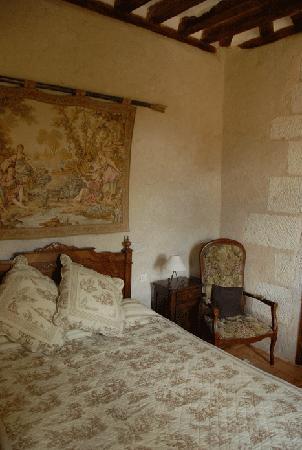 """Le Vieux Chateau d'Hommes: la chambre """"petite tour"""""""