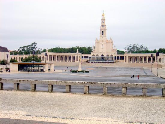 Fátima, Portugal: SANTUARIO