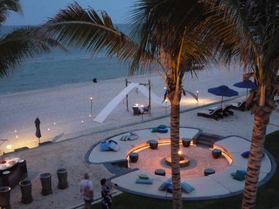 InterContinental Hua Hin Resort: The hotel surprised us with a specially set-up table on the beach for our honeymoon dinner