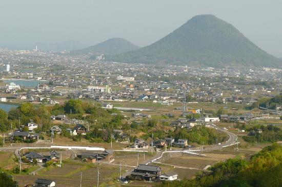 Marugame, Japon : 部屋から見た景色
