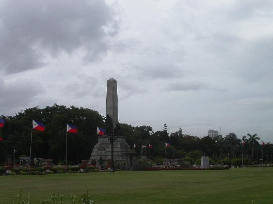 Rizal Park: Rizal Monument