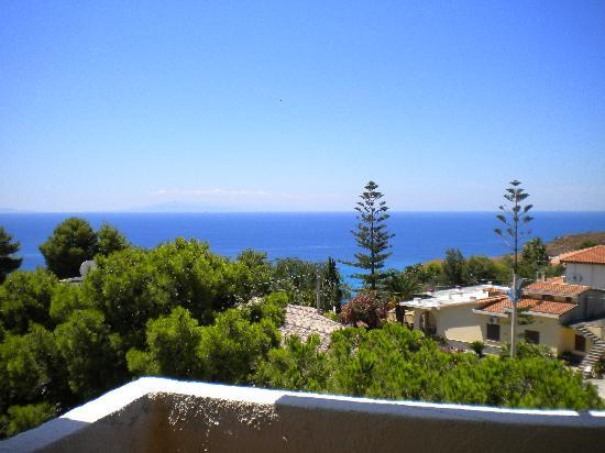 Hotel Punta Faro: View from room 26 terrace's.