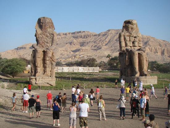 Saint Joseph Hotel: The amazing Colossi of Memnon