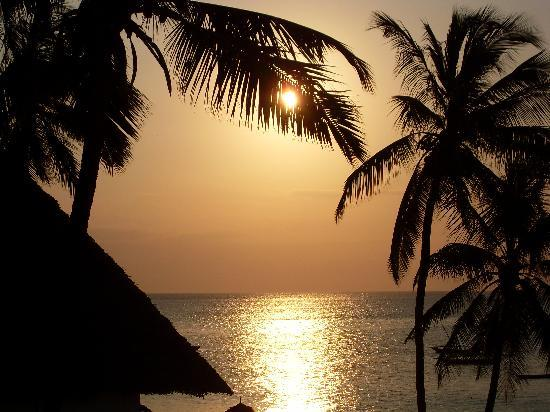 DoubleTree by Hilton Resort Zanzibar - Nungwi: Sunset view from our hotel room