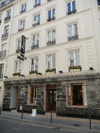 Room 62 bedroom bild fr n hotel muguet paris tripadvisor for Koi rue chevert