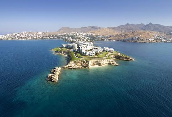 Xanadu Island Hotel: island