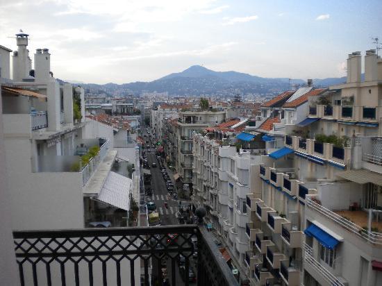 Nice, France : Looking uptown