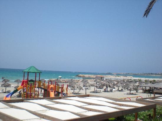 Rest House Tyr Hotel & Resort: La plage